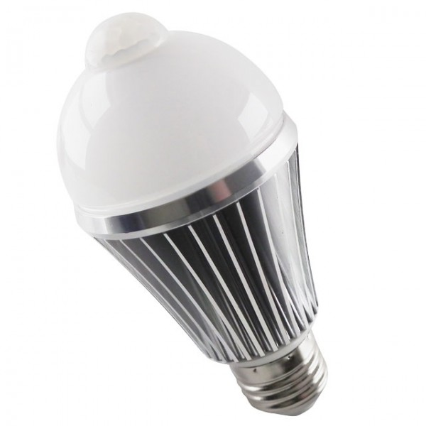 https://www.verlichtingkopen.nl/image/cache/data/bewegingsmelders/E27-led-lamp-met-bewegingssensor-600x600.jpg