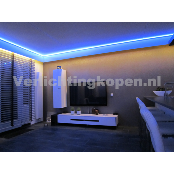 https://www.verlichtingkopen.nl/image/cache/data/led-rgb-koofverlichting-complete-set-10meter-245355740-600x600.png
